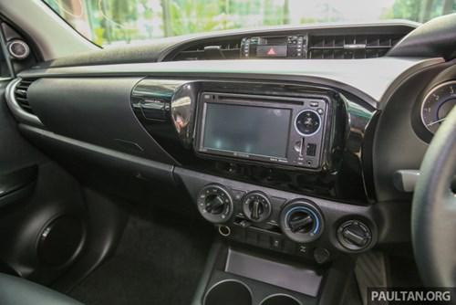 Cận cảnh Toyota Hilux bản đặc biệt mới tại Malaysia - Ảnh 12.