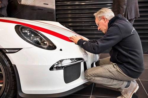 Ông chủ hãng Pagani nhận siêu xe Ferrari F12tdf hàng thửa - Ảnh 7.