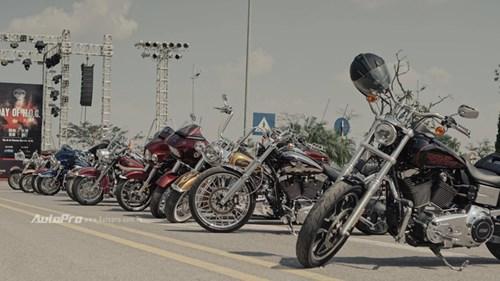 Dàn xe phân khối lớn hàng độc tụ hội tại Hà Thành - Ảnh 1.
