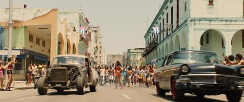 Trailer mới của Fast and Furious 8 với hàng loạt cảnh phá xe khiến khán giả sốt xình xịch - Ảnh 4.