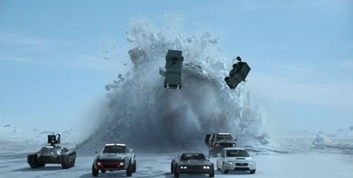 Trailer mới của Fast and Furious 8 với hàng loạt cảnh phá xe khiến khán giả sốt xình xịch - Ảnh 5.