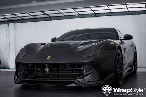 """Cường """"Đô-la"""" thay áo đen nhám cho siêu xe Ferrari F12 Berlinetta """"hàng độc"""" - Ảnh 1."""