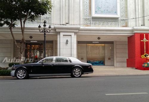 Bộ 3 Rolls-Royce của đại gia Trung Nguyên xuất hiện tại lễ hội cà phê Buôn Ma Thuột 2017 - Ảnh 4.