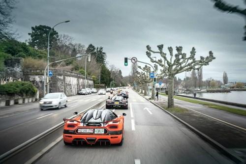 Xem 7 chiếc siêu xe Koenigsegg đồng thanh khoe tiếng thở tại Thụy Sĩ - Ảnh 12.
