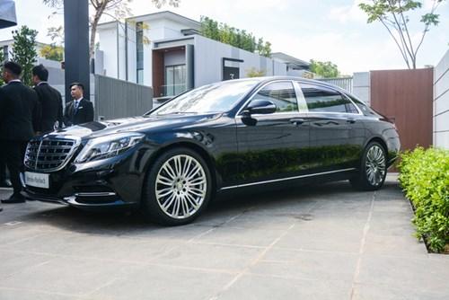 Cận cảnh xe siêu sang Mercedes-Maybach S500 giá 11 tỷ Đồng tại Việt Nam - Ảnh 2.