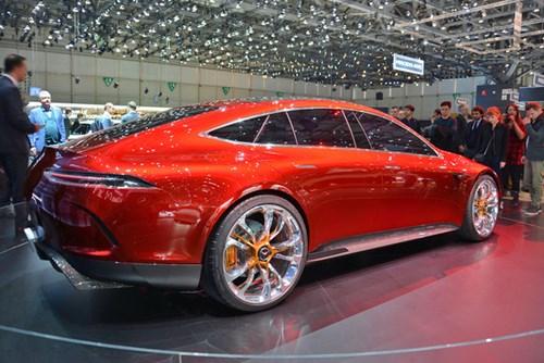 Xem quả bom sex 4 bánh Mercedes-AMG GT Concept lăn bánh ra khỏi triển lãm Geneva 2017 - Ảnh 3.