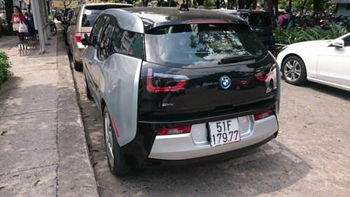 Xe điện BMW i3 của ông chủ Mai Linh tái xuất tại Sài thành - Ảnh 4.