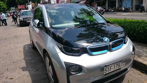 Xe điện BMW i3 của ông chủ Mai Linh tái xuất tại Sài thành - Ảnh 1.