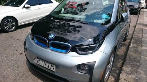 Xe điện BMW i3 của ông chủ Mai Linh tái xuất tại Sài thành - Ảnh 2.