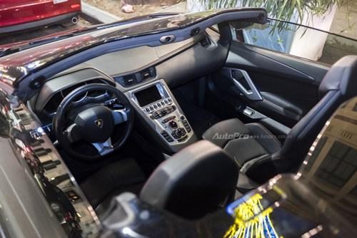 Bắt gặp Lamborghini Aventador Roadster màu cánh gián đi chơi cuối tuần - Ảnh 8.