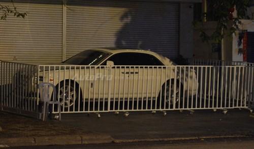 Choáng với cách bảo vệ xe siêu sang Rolls-Royce Ghost tại Campuchia - Ảnh 1.
