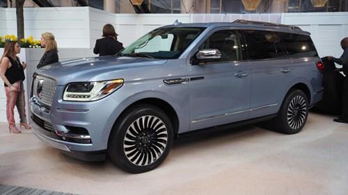 SUV hạng sang cỡ lớn Lincoln Navigator 2018 ra mắt với thiết kế thanh lịch và nội thất tiện nghi - Ảnh 1.