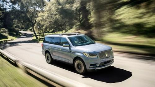 SUV hạng sang cỡ lớn Lincoln Navigator 2018 ra mắt với thiết kế thanh lịch và nội thất tiện nghi - Ảnh 4.