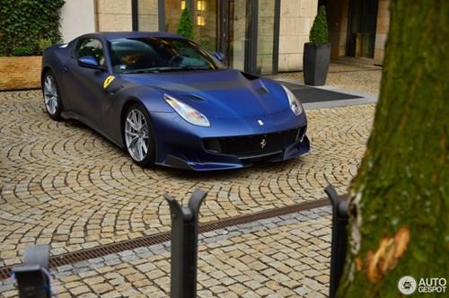 Hàng hiếm Ferrari F12tdf màu lạ xuất hiện tại Cộng hòa Séc - Ảnh 11.