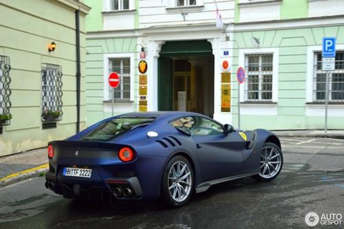 Hàng hiếm Ferrari F12tdf màu lạ xuất hiện tại Cộng hòa Séc - Ảnh 10.