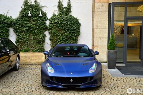 Hàng hiếm Ferrari F12tdf màu lạ xuất hiện tại Cộng hòa Séc - Ảnh 12.