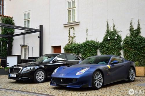 Hàng hiếm Ferrari F12tdf màu lạ xuất hiện tại Cộng hòa Séc - Ảnh 2.
