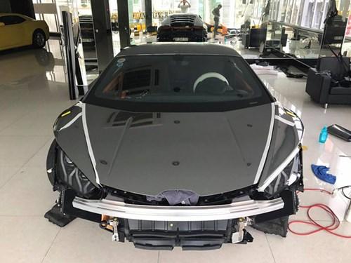 Lamborghini Huracan độ Novara Edizione độc nhất Việt Nam được cho lên áo crôm - Ảnh 1.