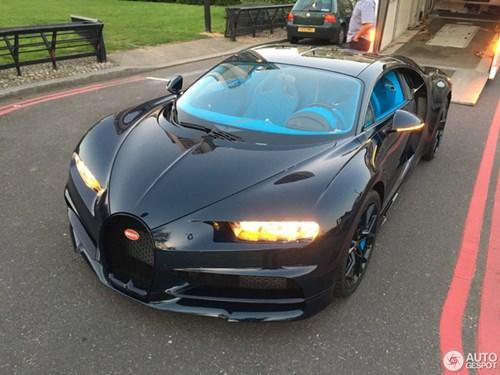 Vẻ đẹp của siêu xe 2,5 triệu USD, Bugatti Chiron đầu tiên tại Anh quốc - Ảnh 5.