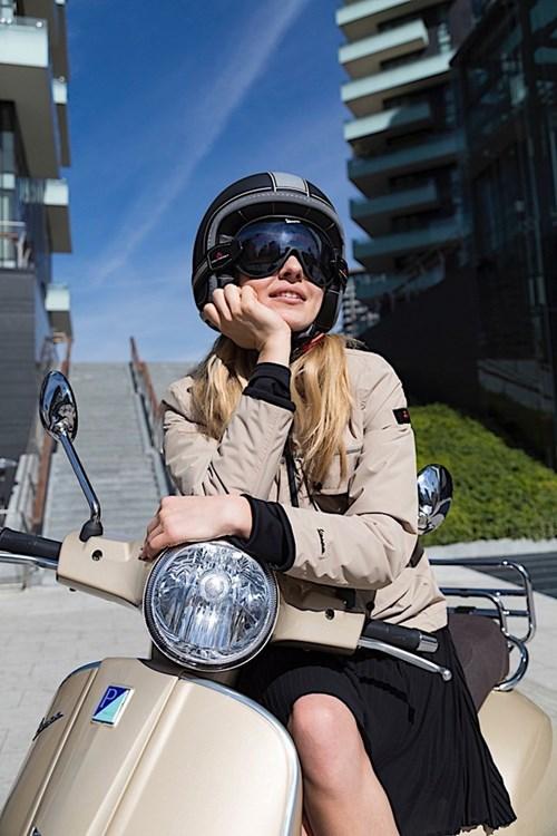 Vespa ra mắt bộ sưu tập phụ kiện thời trang mới - Ảnh 3.