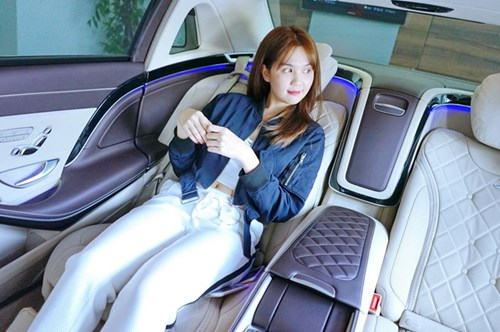 Ngọc Trinh tậu xe siêu sang Mercedes-Maybach S500 giá 11 tỷ Đồng - Ảnh 2.