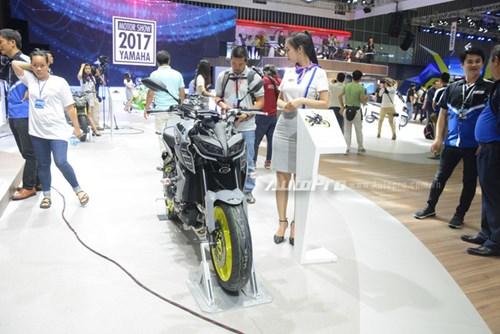 TRỰC TIẾP: Yamaha đem dàn xe khủng đến triển lãm VMCS 2017, điểm nhấn là mẫu concept Glorious - Ảnh 5.