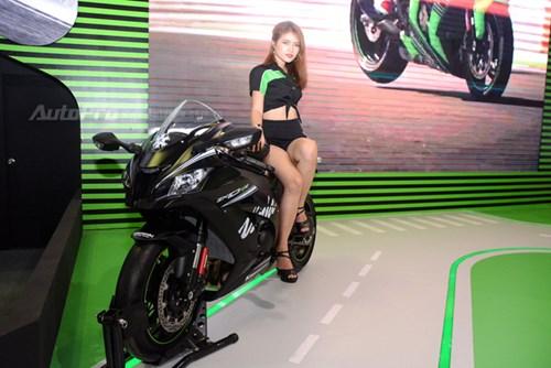 Chiêm ngưỡng vẻ đẹp sexy của siêu mô tô bản giới hạn Kawasaki Ninja ZX-10RR 2017 - Ảnh 1.