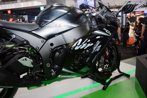 Chiêm ngưỡng vẻ đẹp sexy của siêu mô tô bản giới hạn Kawasaki Ninja ZX-10RR 2017 - Ảnh 8.