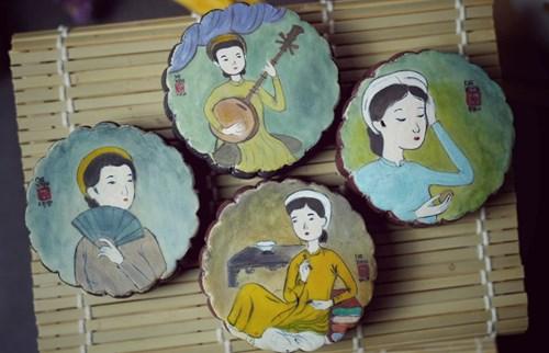 Tranh vẽ trên bánh rất phong phú, từ tranh dân gian đến tranh của các họa sĩ nổi tiếng.