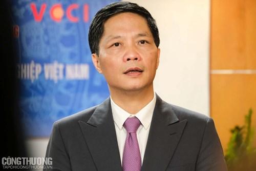 """Bộ trưởng Bộ Công Thương nhấn mạnh các chính sách hỗ trợ doanh nghiệp dệt may, da giầy đang thực hiện """"nhiệm vụ kép"""" về tăng trưởng kinh tế và đảm bảo đời sống người lao động"""