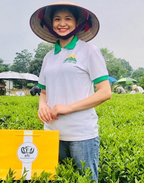Chị Dương Thị Thơm, Giám đốc HTX Nông nghiệp và Dịch vụ Bắc Thái, người phụ nữ tiên phong trong sản xuất chè Tân Cương theo hướng hữu cơ an toàn và trách nhiệm với người tiêu dùng. Ảnh:ĐT.