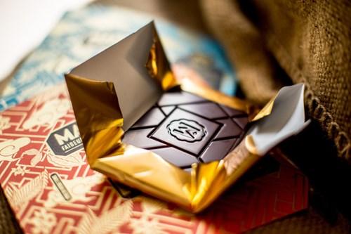Giá của mỗi thanh chocolate này cao gấp 8 lần loại thường, và rất được ưa thích tại những thị trường khó tính hàng đầu như Nhật Bản, Mỹ.