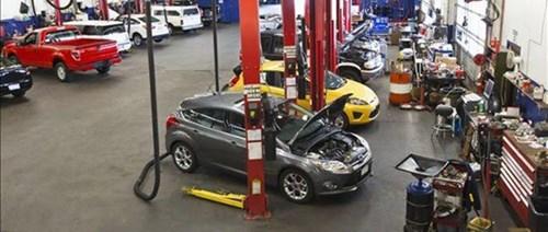 Nhu cầu sử dụng ô tô tăng cao kéo theo dịch vụ nở rộ (Ảnh minh họa)