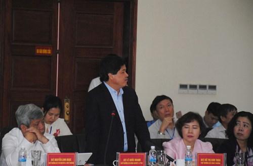 Thứ trưởng Bộ NN-PTNT Lê Quốc Doanh nêu ý kiến tại hội nghị