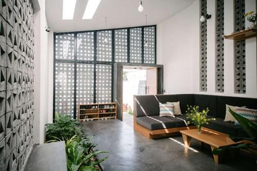 Khu vực phòng khách đơn giản và hiện đại.