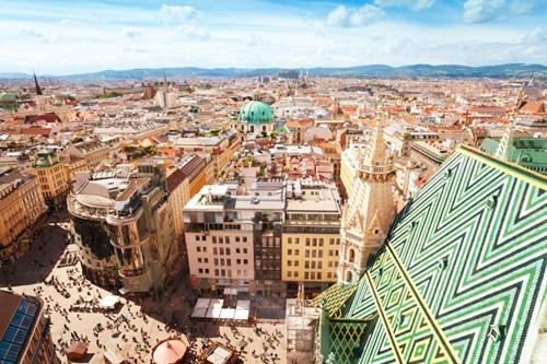<b>2. Vienna, Áo</b></p><p></p><p>Vienna là một trong hai thành phố châu Âu duy nhất đứng trong top 9 thành phố có chất lượng sống tốt nhất thế giới. Tổng điểm của Vienna là 97,4.
