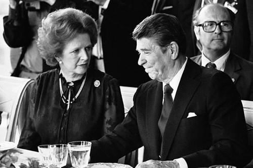 Cố Thủ tướng Anh Margaret Thatcher và cố Tổng thống Mỹ Ronald Reagan tại một hội nghị ở Pháp năm 1982. Ảnh: AP.
