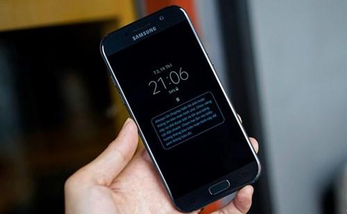 Samsung Galaxy A 2017 gia tu 9 trieu, len ke ngay 18/2 hinh anh 1