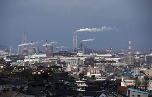 Nhà máy thép ở Kitakyushu là nơi làm việc của 4.500, chưa bằng 1/10 so với thời kỳ hoàng kim nhất. Ảnh: Bloomberg
