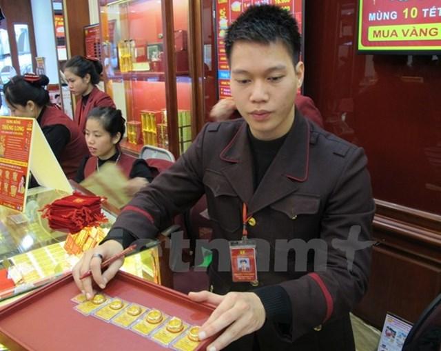 Hai thương hiệu vàng miếng trong nước đồng loạt tăng theo thế giới