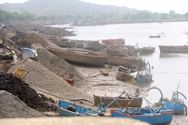Nhu cầu cát thế giới không ngừng tăng