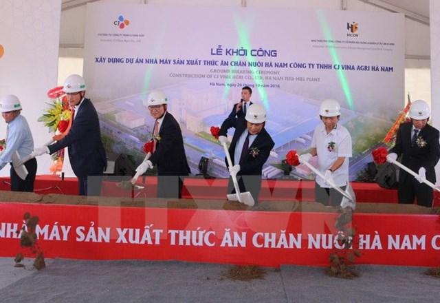 Hơn 31 triệu USD xây dựng nhà máy thức ăn chăn nuôi tại Hà Nam