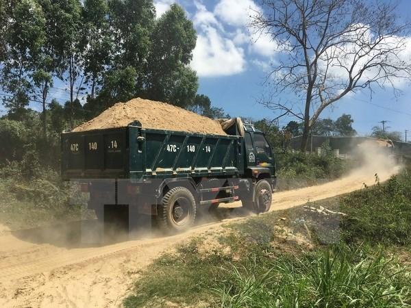 Giá cát tăng cao và nguồn cung khan hiếm, nhiều nhà thầu lo lỗ vốn