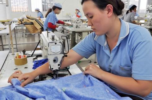 Tương lai nào cho quần áo, giày dép Việt trong căng thẳng Mỹ - Trung?