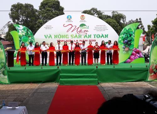 Khai mạc Tuần lễ mận tại Hà Nội