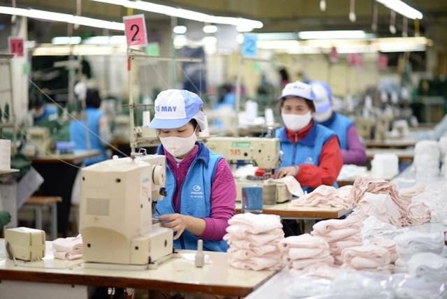 Miễn thuế nhập nguyên liệu sản xuất khẩu trang, nước sát khuẩn
