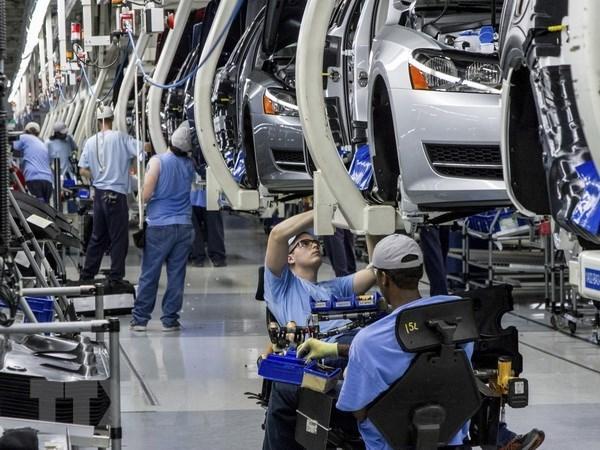 Giá bán ô tô dự kiến sẽ tăng đáng kể