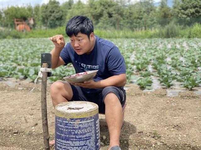 Streamer nông dân Trung Quốc kiếm triệu USD mỗi tháng