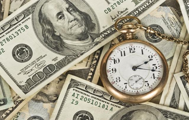 Vì sao đồng USD bị mất giá so với các đồng ngoại tệ khác?