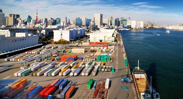 Xuất khẩu giảm mạnh do Covid-19, Nhật Bản tăng cường kích thích kinh tế